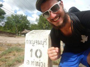 J'ai quitté la Thaïlande sur du Laurent Voulzy.